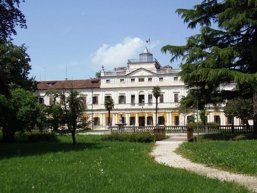 Villa Imperiale a Galliera